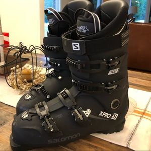 Salomon ski boots used 5 days size 30/30.5